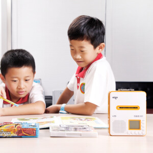 Patriot (aigo) high fidelity voice repeat machine V28 U disk TF card MP3 tape player primary school students tape recorder English learning machine yellow
